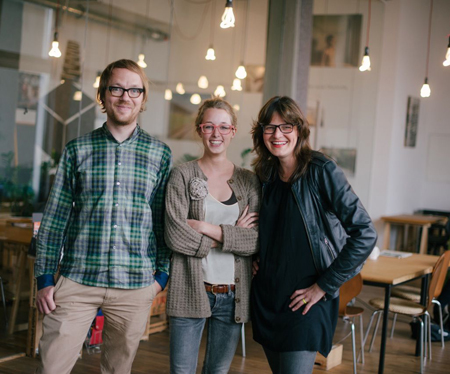 Das Team des Colabors in Köln Ehrenfeld, v.l.n.r.: Martin Herrndorf, Katharina Schwartz und Miriam Pflüger. (c) Colabor